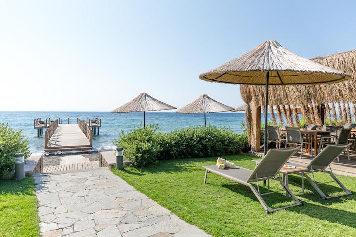 Ida costa otel assos canakkale turkey small boutique for Design hotel 1690