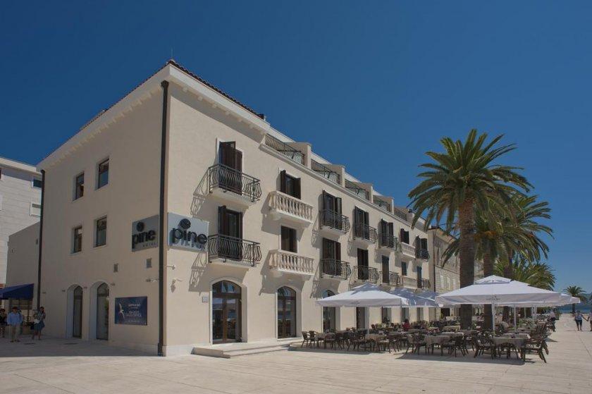 Hotel Pine - Tivat Montenegro